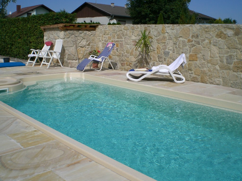 Type wellness 850 swimming pools polypool m ck for Pool schwimmbecken